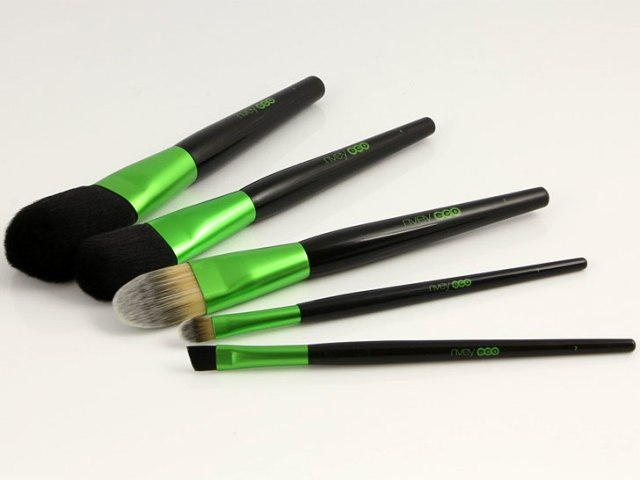 vegan-makeup-brushes-nvey-eco